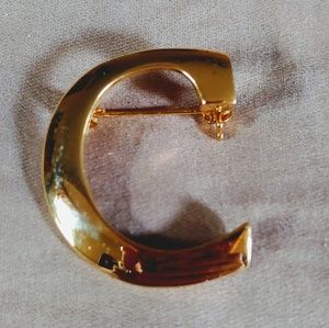 Vintage Letter C Broche Pin Gold Tone